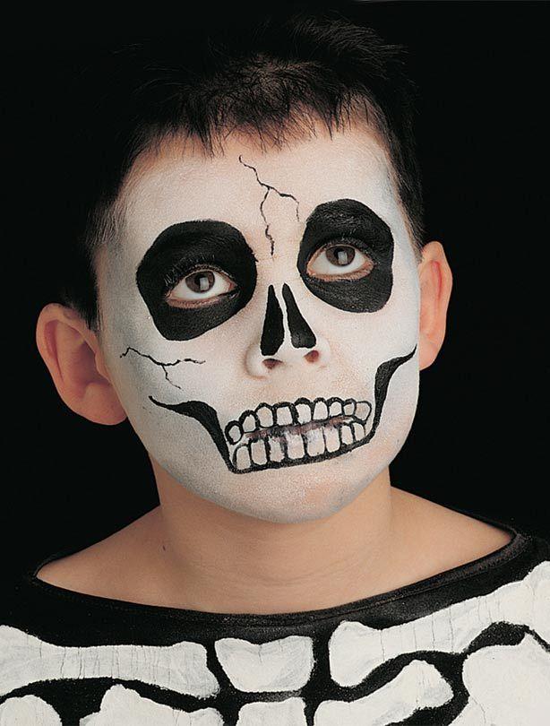 Skeleton face paint - Skeleton face paint step 1: for the base - goodtoknow