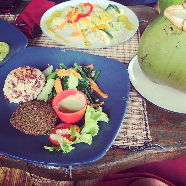 Vegan lunch at Sari Organic