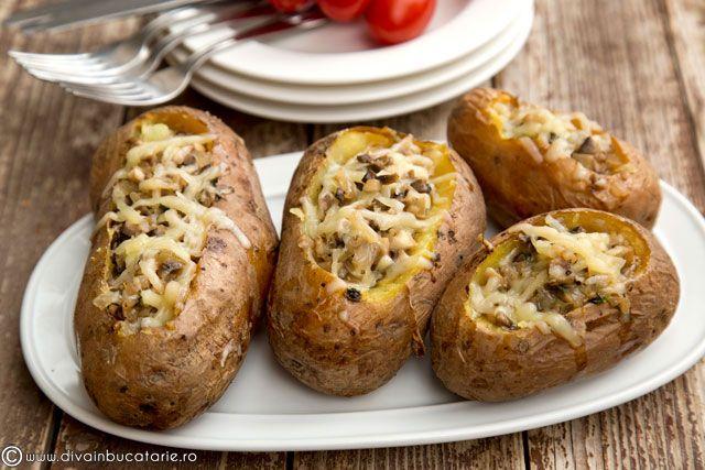 cartofi-umpluti-cu-ciuperci-si-cascaval