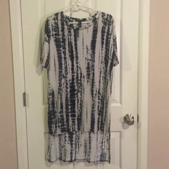 Tie dye hi-low shirt dress Light gray/white & navy blue tie dye shirt dress. short sleeve / only worn once / like new / 100% rayon. Perfect with jeans or wear alone with sandals, sneakers or boots :) Forever 21 Dresses