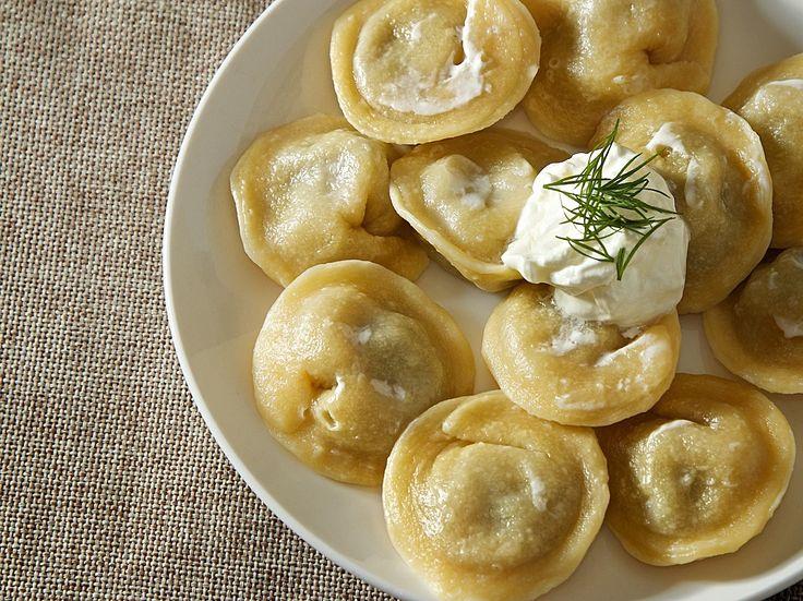 シベリアン・ペリメニ - もっちりした生地とマイルドな肉汁が相性抜群。水餃子のようなロシアの代表的料理