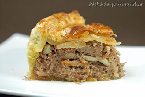 Tourte au confit de canard, foie gras et champignons des bois