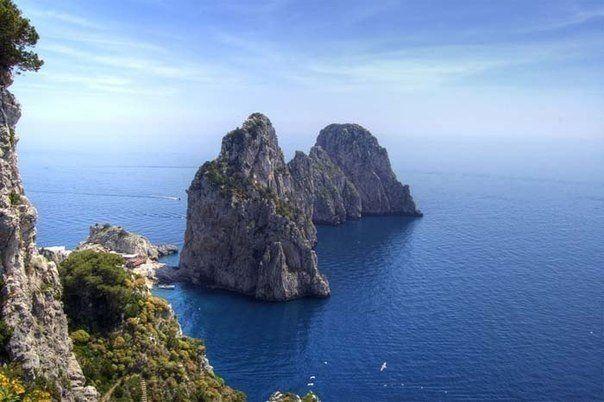Безумно красивый остров Капри, Италия.