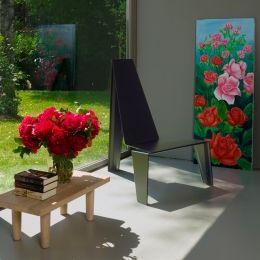 A cadeira Trez, com visual clean e geométrico, é mais uma importante obra desenvolvida Zanini de Zanine.
