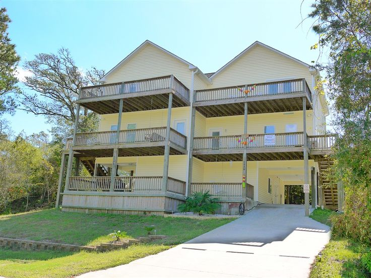 Bluewater has more than 900 Crystal Coast Vacation Rentals that are found throughout Emerald Isle and the southern Outer Banks of North Carolina.