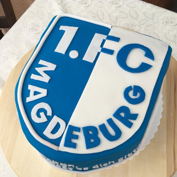 Zum 50. Geburtstag für den Papa gab's die FCM Torte. Der FC Magdeburg ist wirklich sehr beliebt. Gestern wurde groß gefeiert und ich wünsche nochmals alles Gute!!! #Fondant #cake #happybirthday #fcmagdeburg #football #footballfan #fussballfan #fussball #anni_cakes