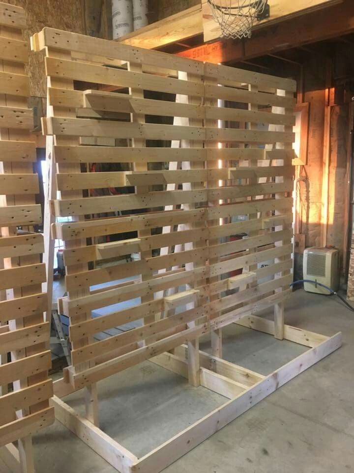Pallet Backdrop Pallets In 2019 Wedding Reception