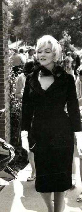 "Marilyn Monroe"" at Clark Gable, funeral Nov 16, (1960)"