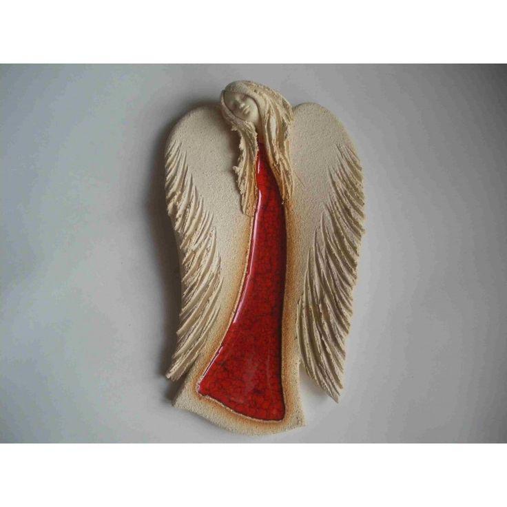 anioł wiszący czerwony