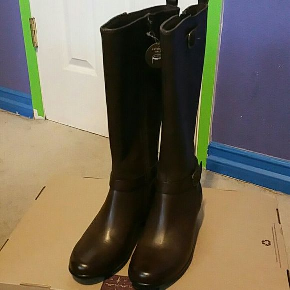 Clarks boots Clarks boots  Size 6 wide extended calf  Brown leather Clarks Shoes Heeled Boots