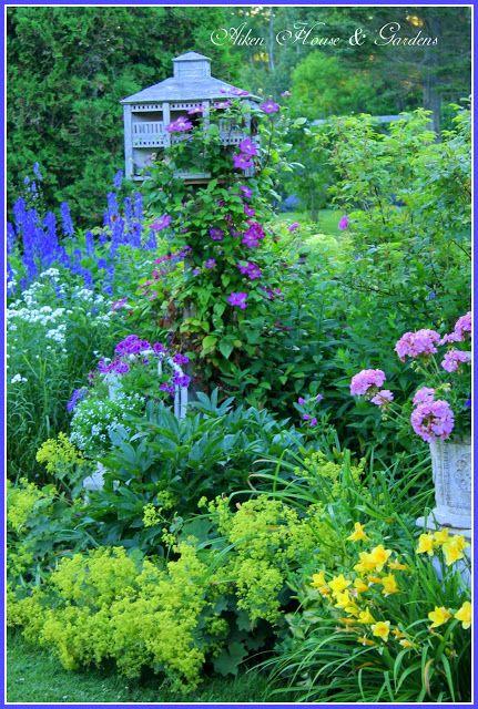 Picket Fence Garden Border