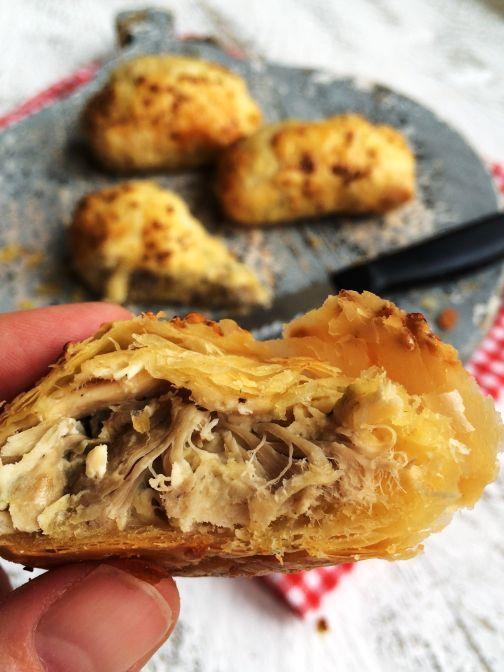Of je ze nou meeneemt voor een picknick of bij de maaltijd serveert, deze kippasteitjes smaken áltijd!