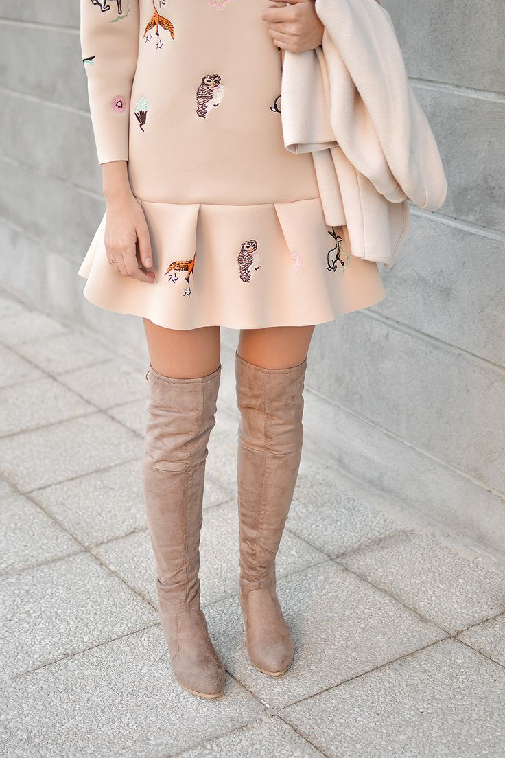 Beige Over The Knees by Tamara Bellis / Perfect look for fall season / Shiny Honey Fashion and Lifestyle Blog