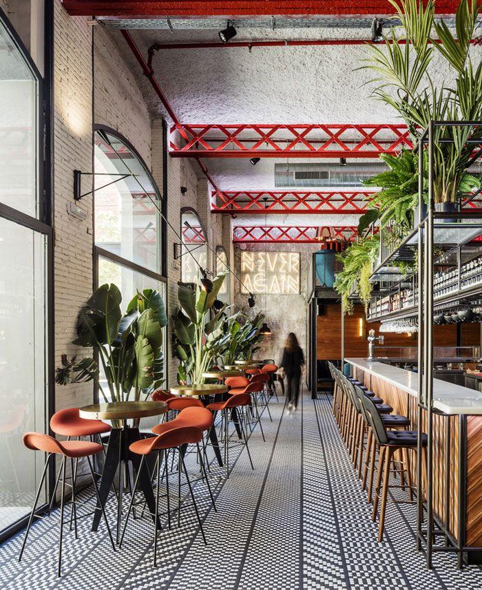 Barcelona restaurant features eclectic design