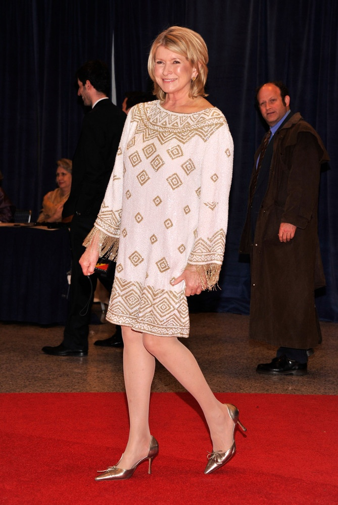 Check Out The 1940s Trends We Still Love Over 70 Years: Martha Stewart (70) In Marchesa At The White House Press