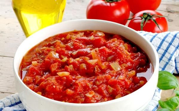 Oppskrift på hjemmelaget pizzasaus/tomatsaus