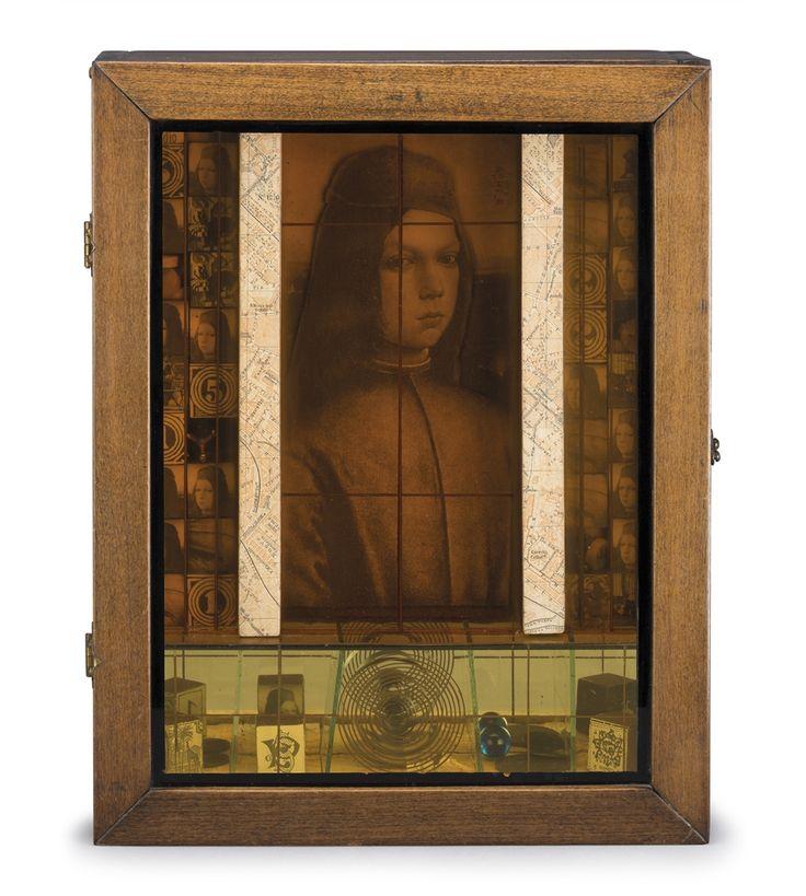 Portret ~ Uit de serie 'Medici Gokautomaat' ~ 1942 ~ Assemblage ~ 35,5 x 28 x 9,5 cm. ~ Particuliere verzameling ~ © The Joseph & Robert Cornell Memorial Foundation/VAGA, New York and DACS, London 2016
