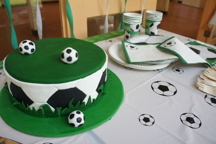 Soccer kids party - Cake and Decoration