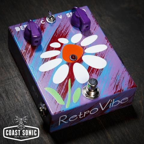 JAM PEDALS RETROVIBE MK.2 – BIL SAYS: WAY CUTE & expensive but if UNIVIBE is your thing you need to check this brute. Made with original NOS 2SC828 transistors and carbon comp resistors for a true vintage sound ! Our RetroVibe not unlike the original Univibe, employs 4 photocells and a bulb to nail that Vibe sound we all know and love! You can choose between Vibrato and Chorus settings and navigate from slow rate liquid sounds all the way to fast Leslie speaker effects. List $US329