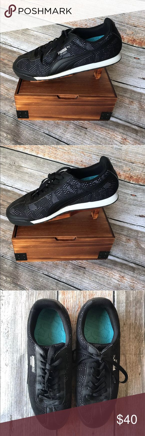 Retro style Men's PUMA SNEAKERS! Clean! Black Size 10 Retro style Inserts included Clean! Mens!  Smoke/Pet free home Puma Shoes Sneakers