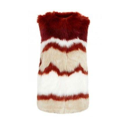 Fake fur sleeveless coa