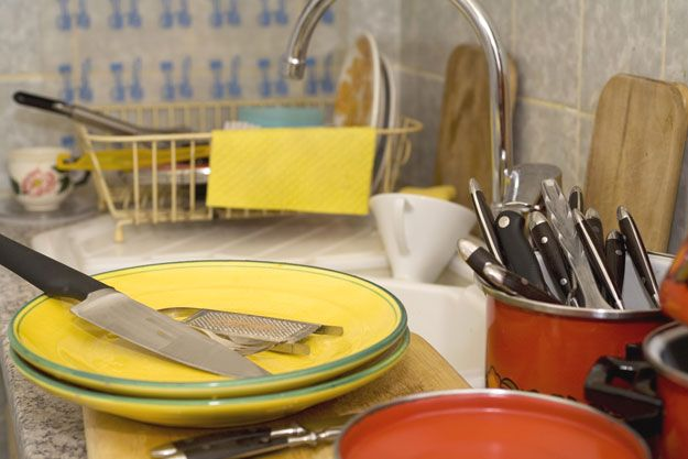 How To Become A Master Chef In 10 Days | De-clutter Your Counter Tops by Homemade Recipes at http://homemaderecipes.com/cooking-101/how-to-be-a-master-chef-in-10-days-cook-like-a-chef