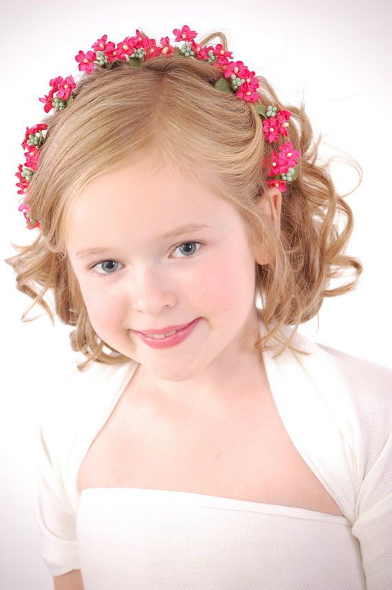 Get your little girl the best short pageant hairstyles with different cuts like the slicked back, Pin curly, ponytail, braid or bun hairstyles.