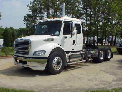Flatbed Tow Truck >> Freightliner M2 112   Freightliner   Trucks, Semi trucks ...
