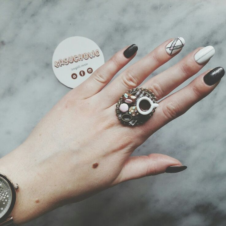 #ring #pierscionek #slodycze #czekolada #kawa #ciasteczka #lasuchowo #lasuchowogirls #fashion #coffee #sweet #cute #candy #nails #watch #zegarek #cookies