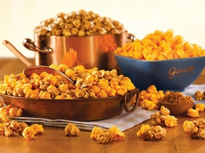 Garrett's Popcorn Chicago Mix is a great Fall snack and perfect colors for Fall parties #ColorfulFall #PinParty