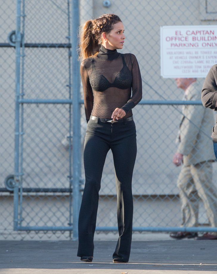 25+ best ideas about Halle berry body on Pinterest | Halle ... холли берри инстаграм