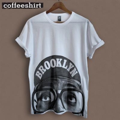 T-shirt Spike Lee Brooklyn, disponibile anche in grigio melange, 100% cotone , stampa serigrafica.