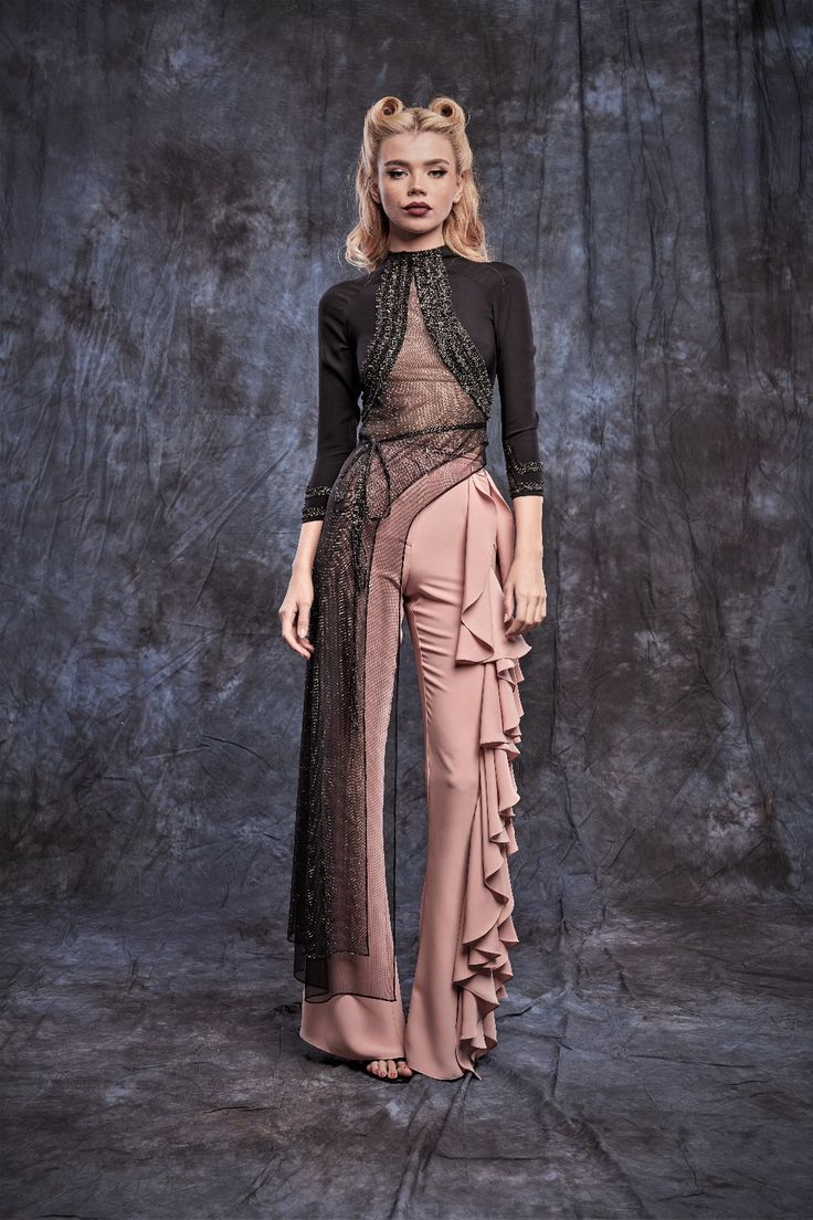 #blackblouse #goldtouch #gold #flounces #ruffles #trousers #pants #dustypink #fashion #collection #2017 #2018
