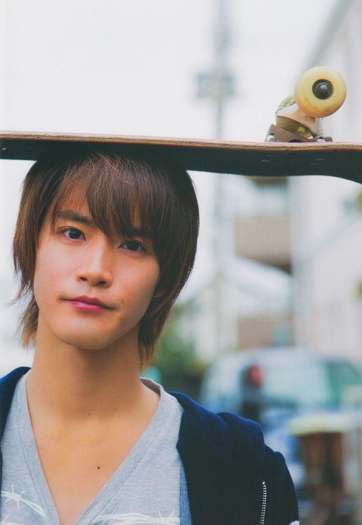 Shunya Shiraishi, «The Bigginning» First Photobook | HeroShock : Déchaine ta passion du tokusatsu