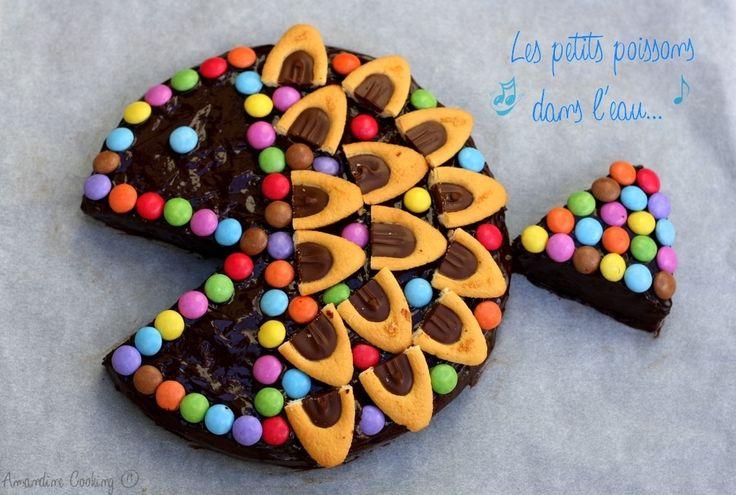 Gâteau d'anniversaire poisson au chocolat. Voici un gâteau au chocolat déguisé en poisson très facile et rapide à faire qui ne nécessite pas de matériel particulier, un moule rond et un four suffiront !. La recette par Amandine Cooking.