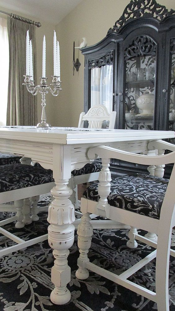 diy 1920 s vintage table chairs redo, home decor, living room ideas, painted furniture, AFTER The legs are my favorite part I am a wee bit obsessed with furniture legs