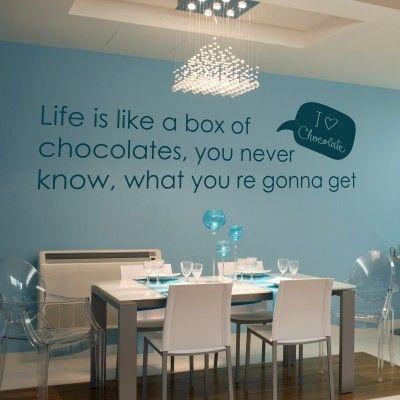 """Adesivo Murale - Cioccolato. La vita è una scatola di cioccolatini...  Adesivo murale di alta qualità con pellicola opaca di facile installazione. Lo sticker si può applicare su qualsiasi superficie liscia: muro, vetro, legno e plastica.  L'adesivo murale """"Cioccolato"""" è ideale per decorare la vostra cucina. Adesivi Murali."""
