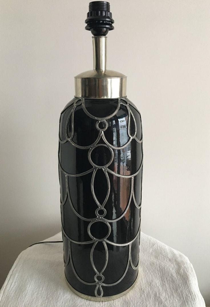 Lámpara de cerámica negra y alpaca de Safi hecha a mano de Mialfombra en Etsy