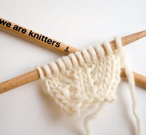 17 meilleures id es propos de broche en crochet sur pinterest crochet roses au crochet et. Black Bedroom Furniture Sets. Home Design Ideas