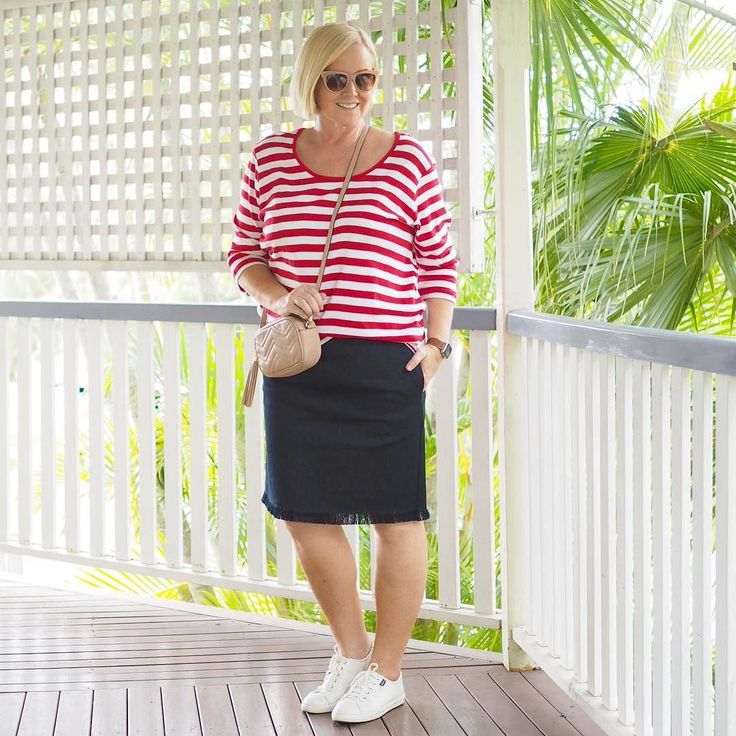 Today's #everydaystyle ... super productive Sunday here. How about you? We walked 8km brunched then I spent a few hours editing my wardrobe (I refuse to buy any more coat hangers and autumnal pieces are a beckoning!). We also headed out this afternoon to @gelatomessina which just opened in South Brisbane. YUM!  Wearing: two fave @adriftclothing pieces from the Styling You Shop (follow the link in profile - not many of these babies left); plus new gifted @adorneme cross-body bag (perfect size…