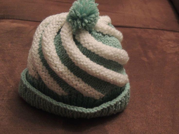 Bonnet tourbillon ou à spirales (point godron) -  DSCN1822