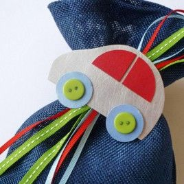 craftroom μπομπονιέρα βάπτισης πουγκί μπλε αυτοκίνητο κόκκινο κουμπάκια