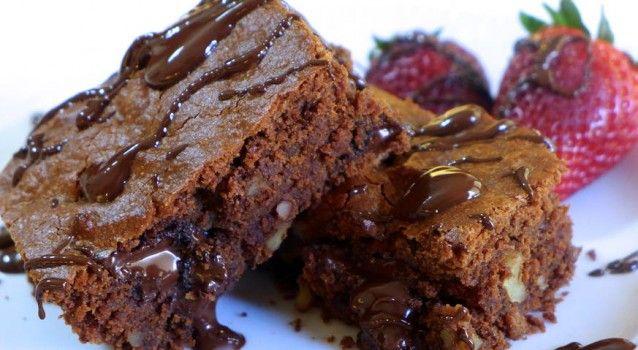 Υγρό Brownies σοκολάτας με ταχίνι & πορτοκάλι νηστίσιμο