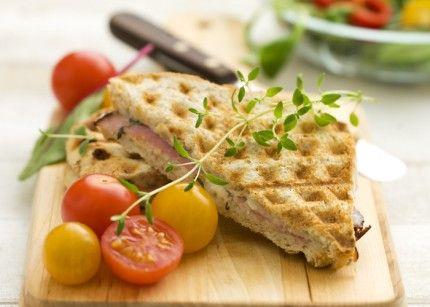 Ost- och skinktoast till sallad eller soppa