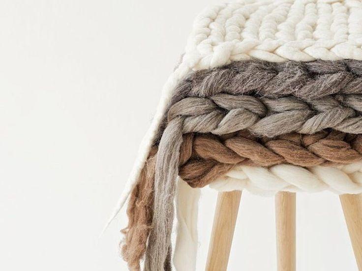 DIY tutorial: Knit a chair cushion via DaWanda.com
