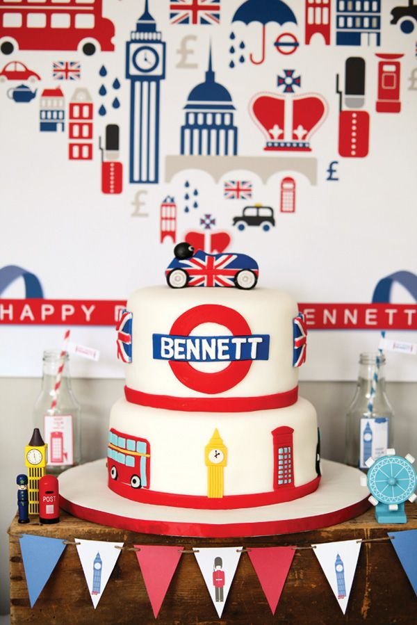 Now that is a party that I would like to throw....if I didn't live in England. SO CUTE!