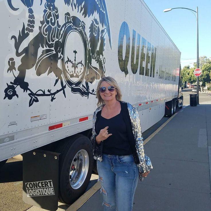 Queen with Adam Lambert! #queen #adamlambert #glitzy