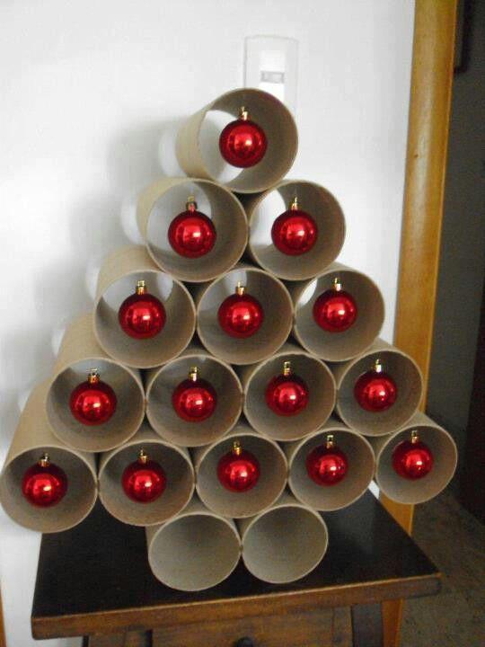 kerstboom van wc rolletjes