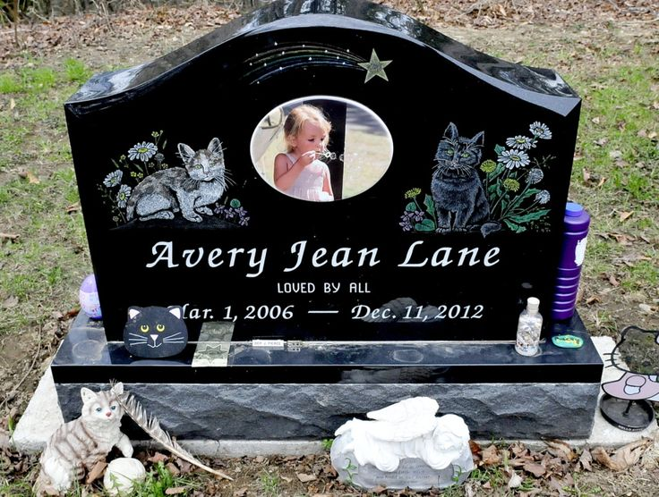 Vandalism of Maine child's grave site tugs at hearts, draws donations - Portland Press Herald