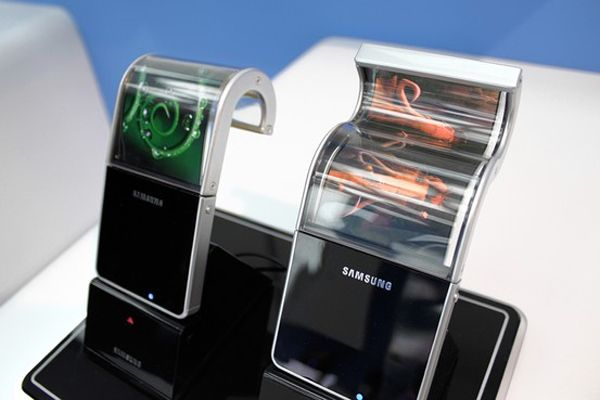 Samsung's Bendable Screens for Smartphones Will Be Released Early 2013